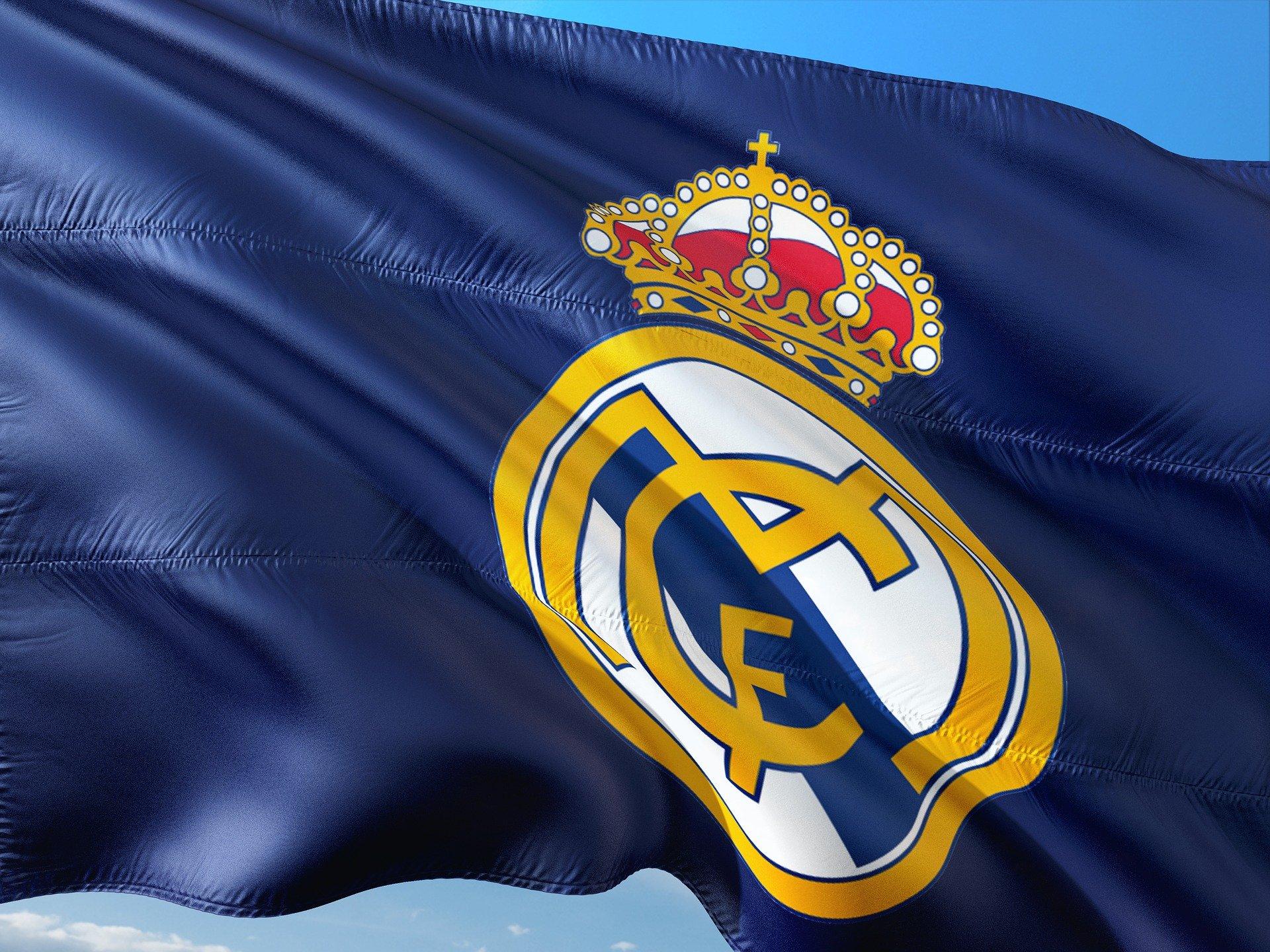 El Real Madrid, desorientado al no producirse ninguna jugada dudosa a su favor ayer ante el Granada