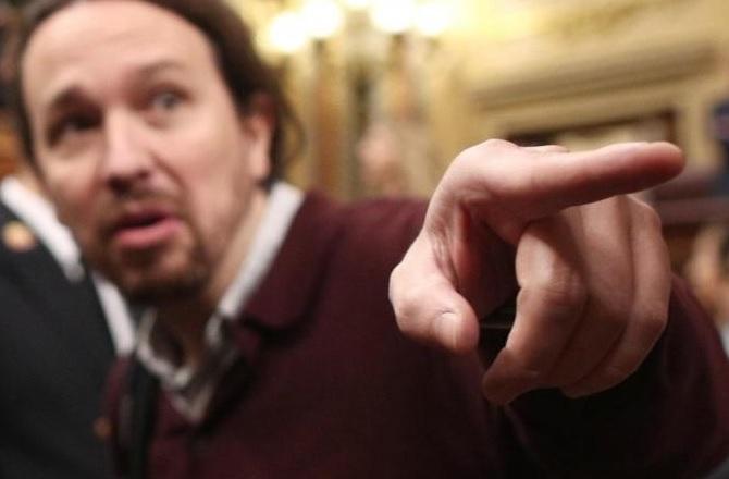 Pablo Iglesias manifiesta su deseo de que Abascal le tire del dedo antes de abandonar el Congreso de los Diputados